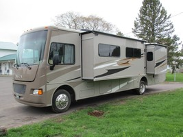 2014 Motor Home Itasca Sunstar 35B For Sale In Mass City, MI 49948 image 1