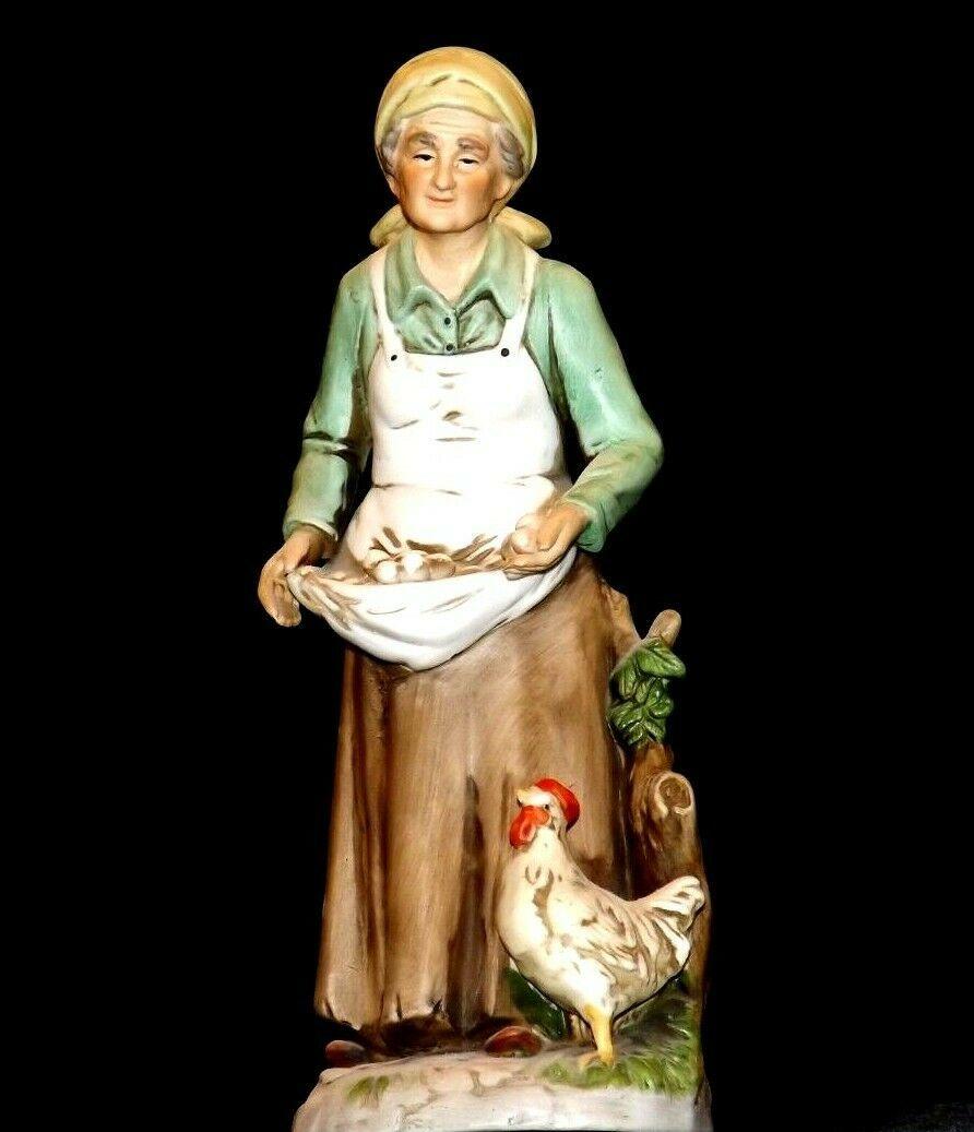 Figurine of Old Woman gathering eggs HOMCO 1434 AA19-1619 Vintage