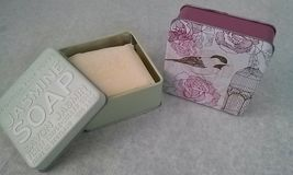 The Scottish Fine Soaps Co Soap Bar in a Tin Pink Amber Rose Jasmine 3.5oz LOT 2 image 3