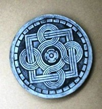"1 DIY 14""x2"" ROUND CELTIC STEPPING STONE MOLD MAKE CRAFTS AT HOME FOR $1.00 EACH image 1"