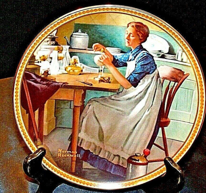 1983 Working in the kitchen by Norman Rockwell with Box ( Knowles ) AA20-CP2167a