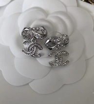 100% AUTH CHANEL 2018 Spring CC Crystal Bow Dangle Drop Earrings LIMITED EDT  image 2