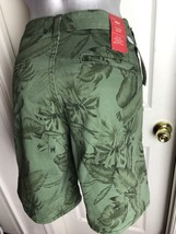 NEW Levis Classic Short Size 4 / 27 Green Palm Trees Mid Rise Cotton Casual NWT - $23.50