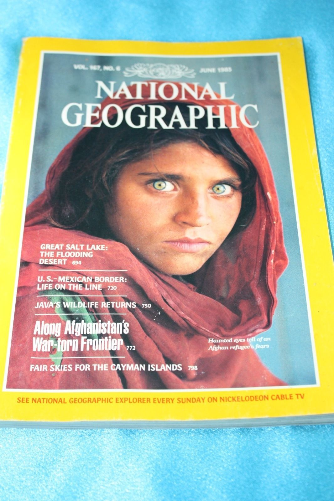 Primary image for National Geographic Magazine(June 1985)Haunted Eyes Afghan Girl_Famous Cover!