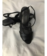 Women's Life Style High Heel Shoe with Memory Foam Size 7. - $30.00