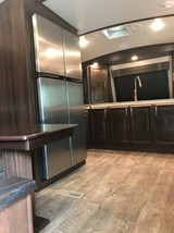 2019 Jayco North Point 5th Wheel FOR SALE IN Phoenix, AZ 85083 image 3