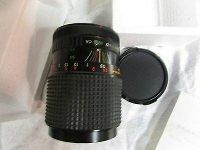 Albinar ADG 28-70mm f/3.5-4.5 MC macro Zoom lens Canon FD vintage camera