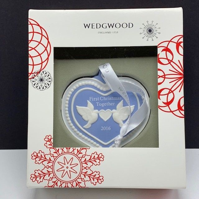 Wedgwood christmas ornament England First 2016 turtle doves figurine together 5