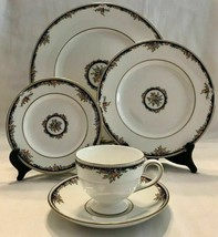 20 PC WEDGWOOD OSBORNE DINNERWARE DINNER SALAD BREAD PLATE CUP SAUCER FL... - $189.34