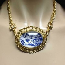 Beautiful, Rare 2.5in x 2in Blue Willow Brooch Pendant 16in Gold Tone Necklace - $31.30
