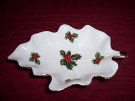 Lefton Holly on White, Gold Trim Leaf Candy Dish, Excellent Condition, Christmas - $4.74