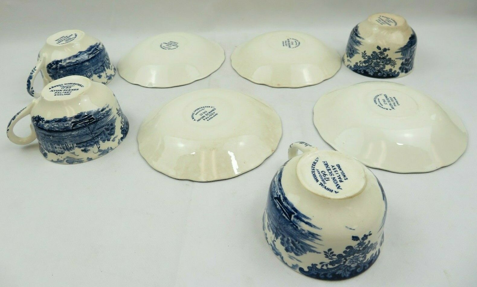 Vintage 4 Blue Royal Worcester Palissy Avon Scenes England 1790 Cups & Saucers