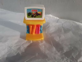 Fisher-Price Loving Family Dollhouse 2005 Kids TV on Table with Books - $7.87