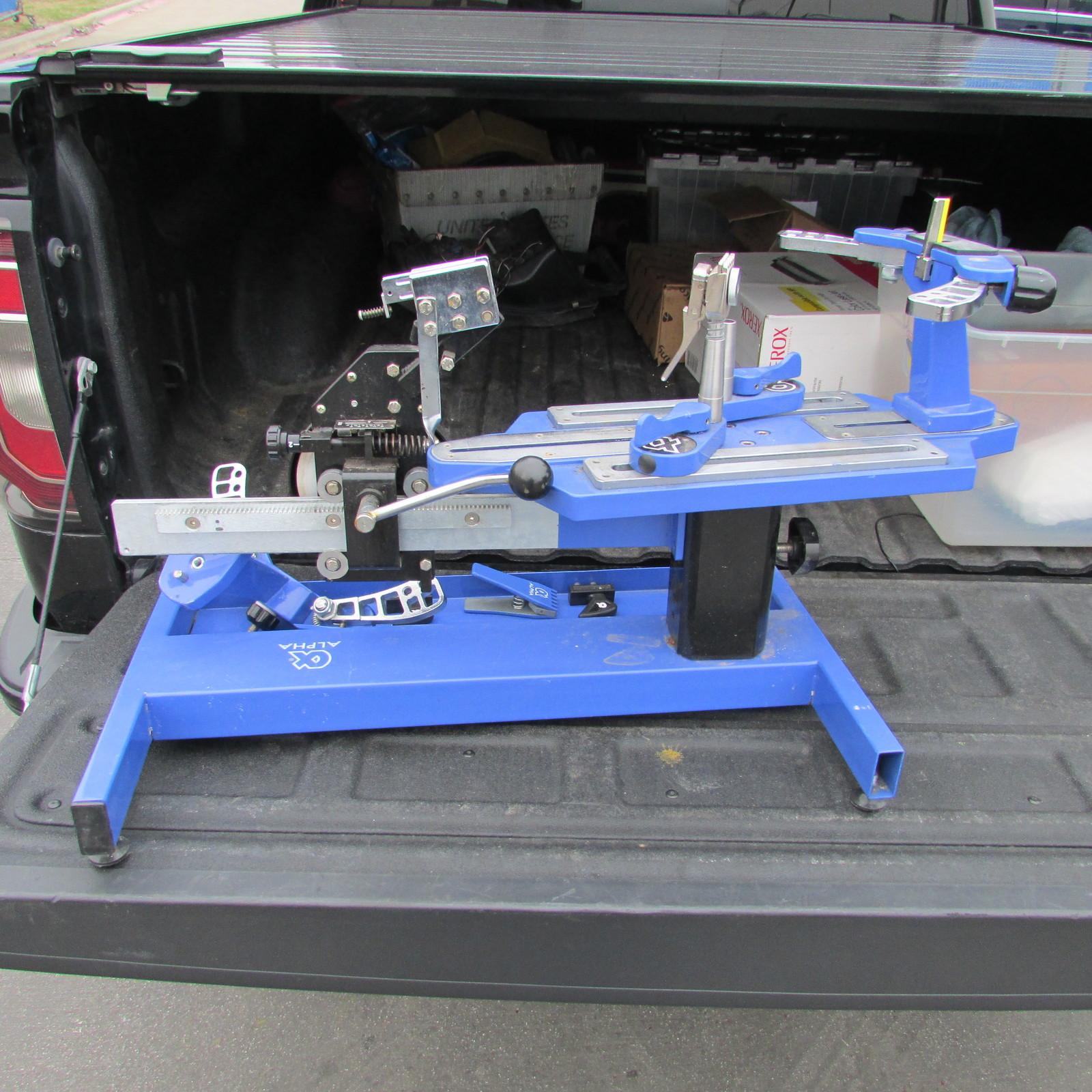 Alpha REVO 4000 Tennis Stringing Machine- and 50 similar items