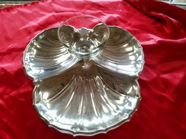 Vintage Silver Plate Vegetable Chip Dip Platter With Glass Bowl  - $27.12