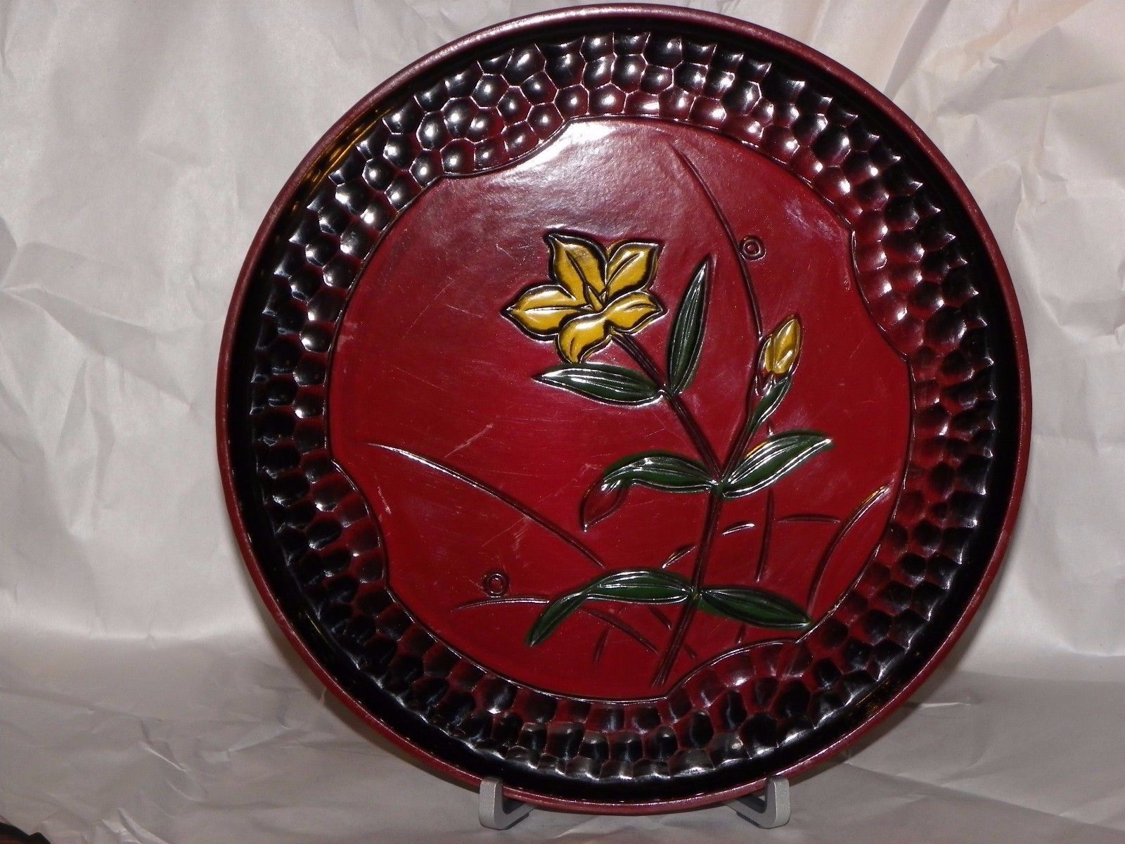 """Made in Japan Serving Tray Flowered with Reverse Cobblestone Boarder. 9 1/4"""""""