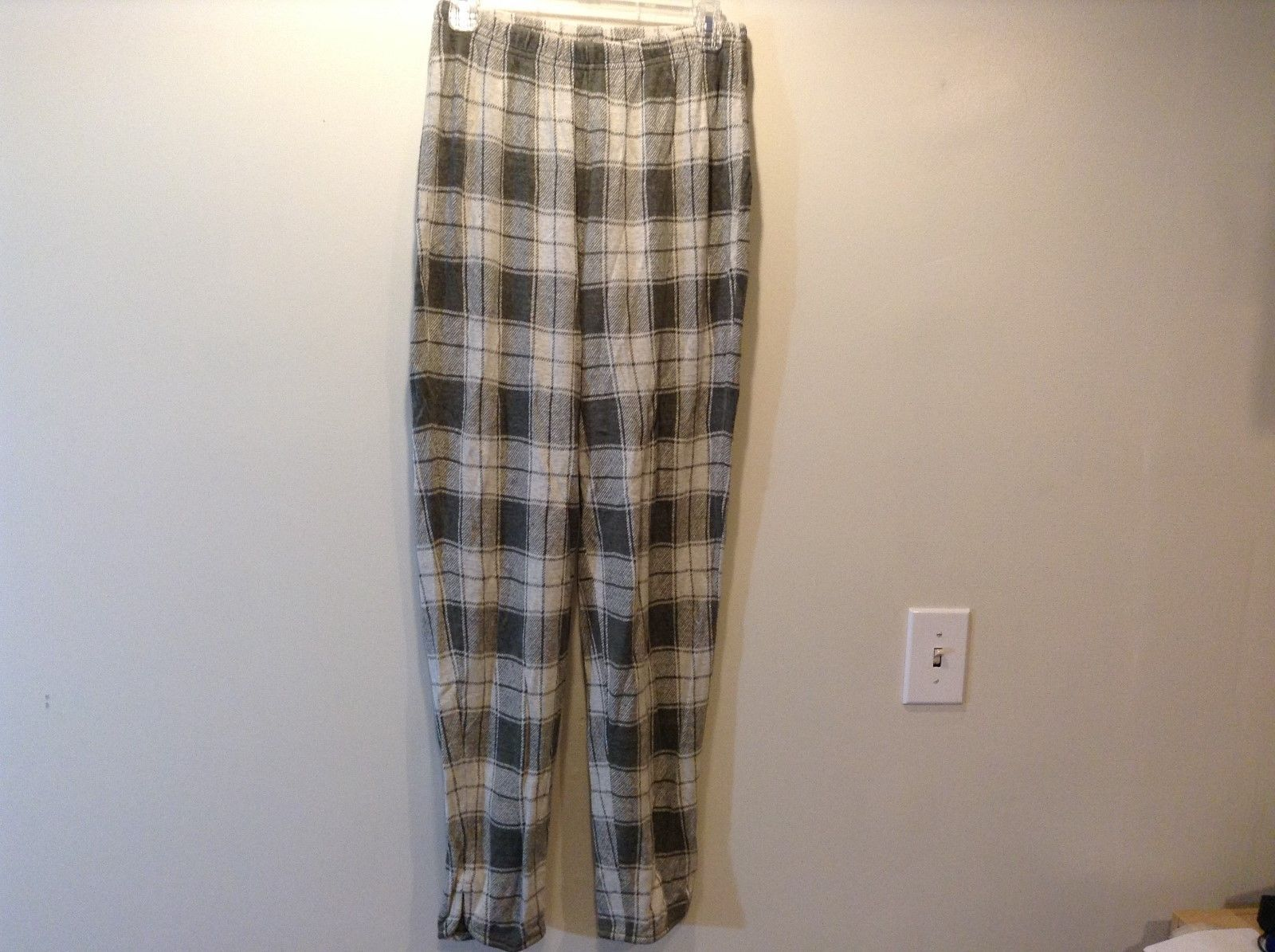 ECO-Sport Green Tan Geometric/Plaid Design Lounge Pants Sz M