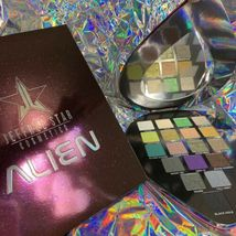 *TRUSTED SELLER* Jeffree Star Cosmetics ALIEN PALETTE NEW IN BOX* image 3