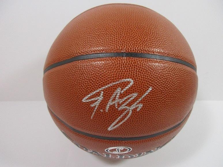 Giannis Antetokounmpo Milwaukee Bucks signed FS Spalding NBA basketball COA image 2