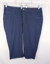 Womens Riders by lee Blue jeans cropped capri Size 26 w - $14.98
