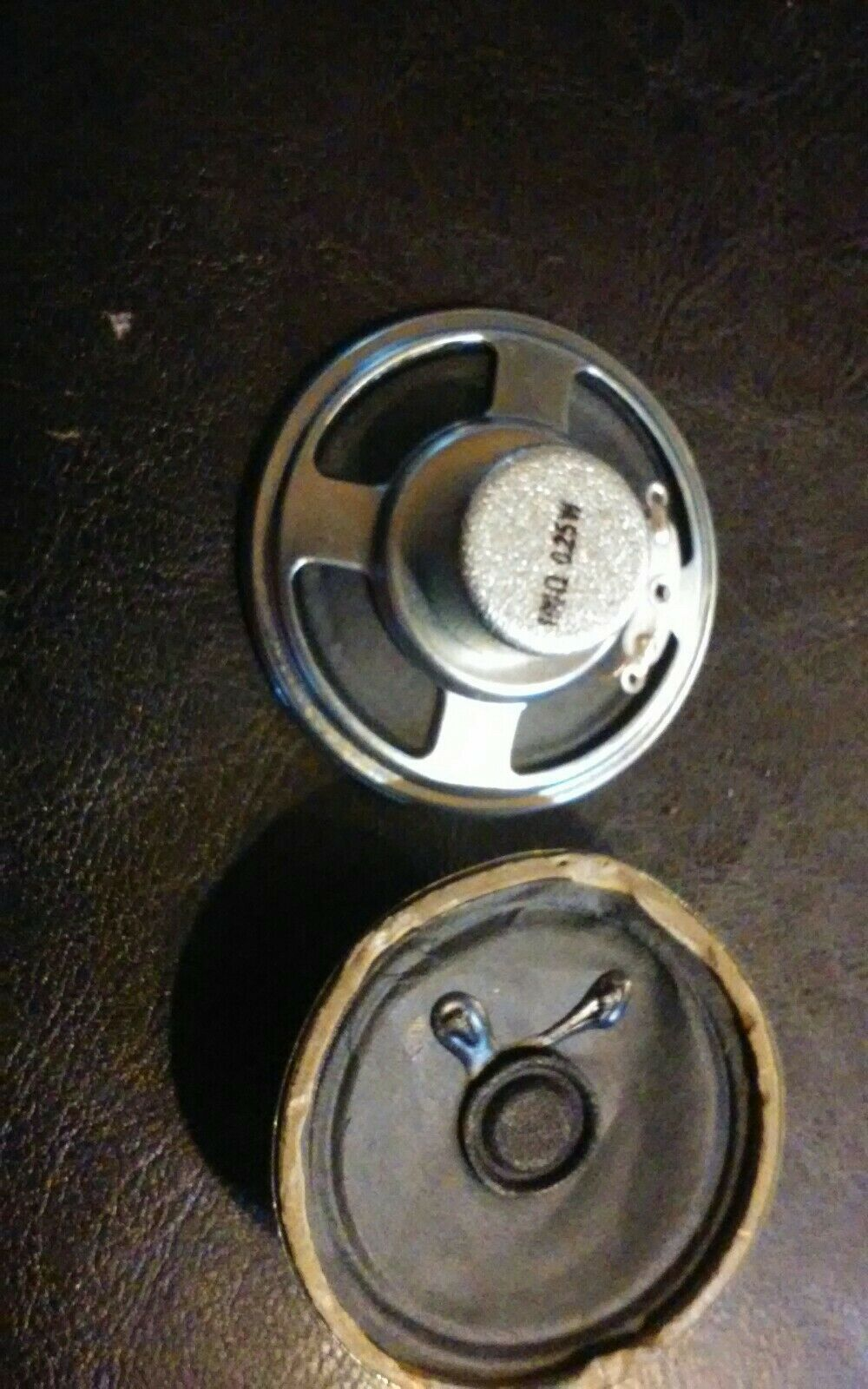 2pc Mini Speaker 100O 025W