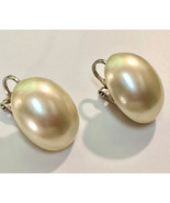 VTG Clip On Earrings~ MARVELLA 1950s Oblong Dome Shaped Pearl Finish Off... - $11.40