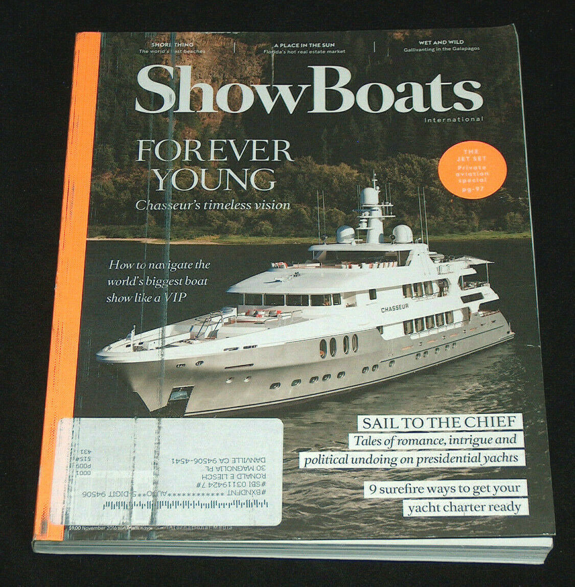 Primary image for Showboats International Novembre 2016 Chasseur's senza Tempo Vision Yacht Barche