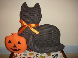 Halloween Stuffed Black Cat With Pumpkin - €16,99 EUR