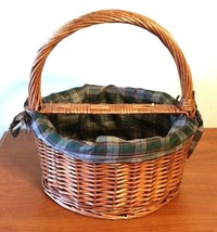 "Primitive Round Basket With Liner Big Round Handle For A Picnic 7"" Deep - $32.66"