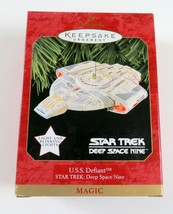 NIB Star Trek USS Defiant Deep Space Nine Ornament Hallmark, Magic Lights - $21.77