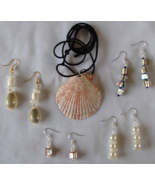 Nautical Scallop Seashell Adjustable Necklace and 4 Pair of Earrings Handcrafted - €20,32 EUR