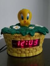 Westclox Tweety Bird Nightlight Alarm Clock - Looney Tunes - Model No. 3... - $24.14