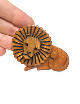 """2.25"""" Wide Large Caramel Brown Acrylic Lion Brooch Pin """"C"""" Clasp Animal Jewelry - $16.10"""