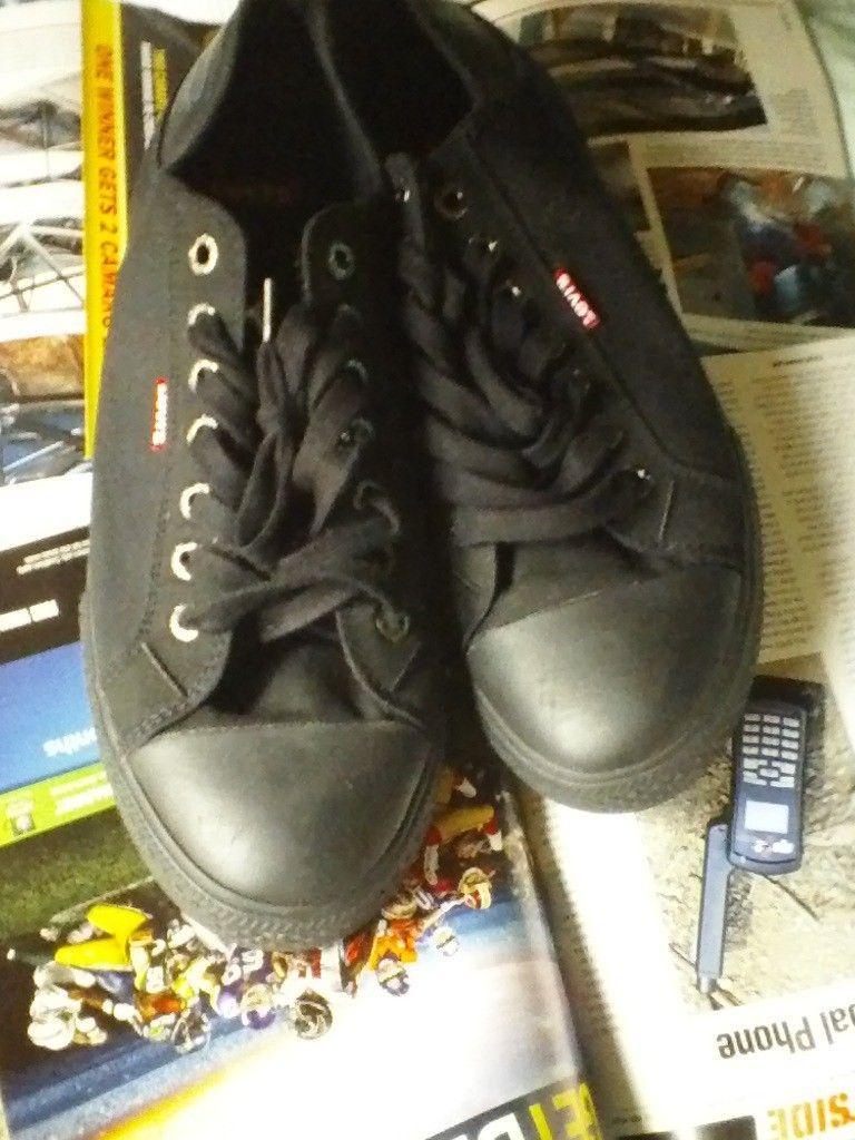 Levi's BLACK skate casual shoes size 13