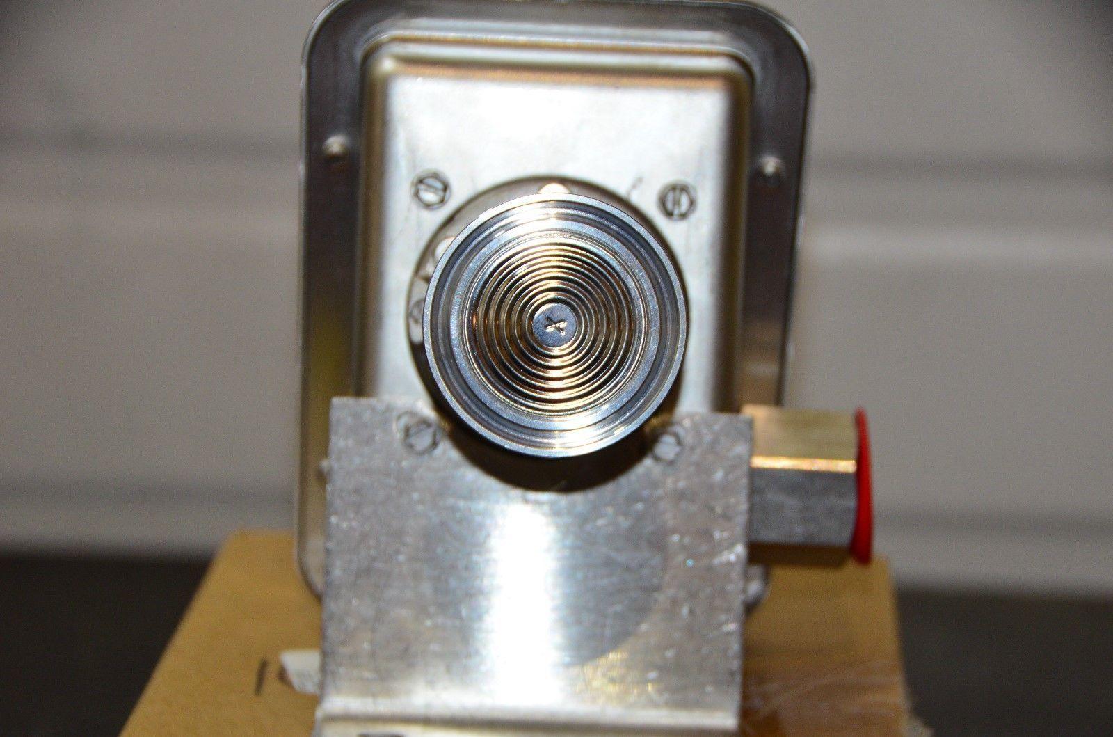 labtechsales 1609-002-00 Flapper Valve Buna N for AMT 3 Diaphragm Pump//New NOS