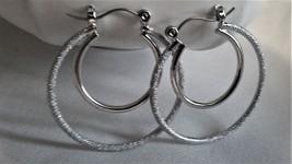 New Slver Double hoop earrings 1.75 inch and .75 inch pierced Women Teen - $3.95 CAD
