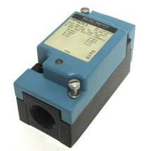 NEW HONEYWELL MICRO SWITCH MPSD11 PHOTOELECTRIC LIMIT SWITCH W/ MP823 BASE