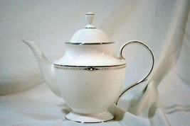 Lenox 2019 Pearl Platinum Tea Pot 5 Cup 40 oz. New - $163.79