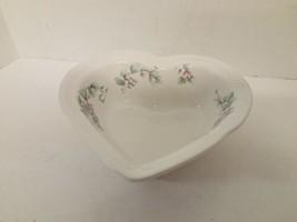 Pfaltzgraff Grapevine Large Heart Shaped Serving Bowl - $24.74