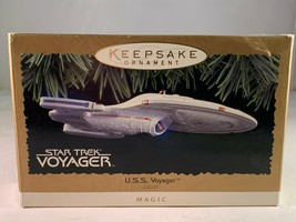 Star Trek USS Voyager Hallmark Keepsake Magic Lighted Ornament from 1996 - $29.70