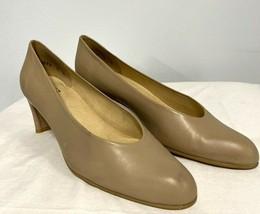 Stuart Weitzman Leather Pumps Tan, Women's 8 Narrow  - $34.19