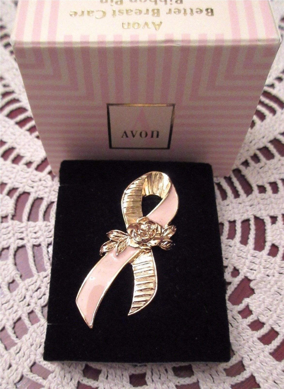 Breast Cancer Awareness Pin Tack Pink Gold Tone Ribbon Rose Box 1993 Mint - $13.00
