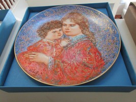 """Edna Hibel , Mother's Day 1985 , Erica and Jamie , Knowles China , 8 1/2 """" - $19.91"""