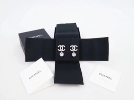 100% AUTH NEW CHANEL LARGE CC Crystal Dangle Drop Earrings image 2