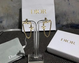 NEW AUTH Christian Dior 2019 DIO(R)EVOLUTION EARRINGS GOLD STAR CRYSTAL DANGLE image 5