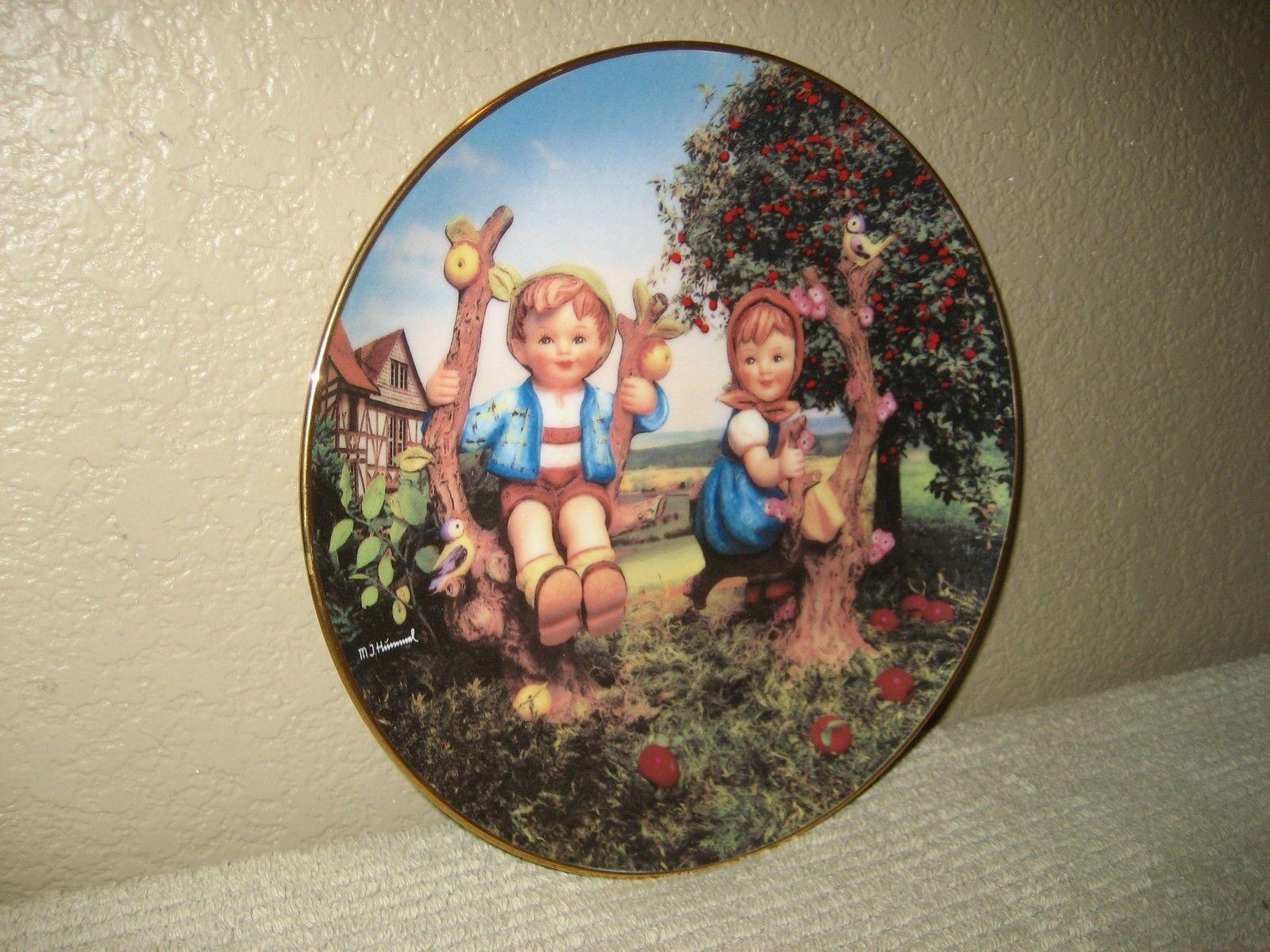 "HUMMEL 1991 Little Companions ""Apple Tree Boy & Girl"" Collectors Plate #ME1151 - $12.16"