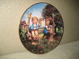 "HUMMEL 1991 Little Companions ""Apple Tree Boy & Girl"" Collectors Plate #... - $12.16"
