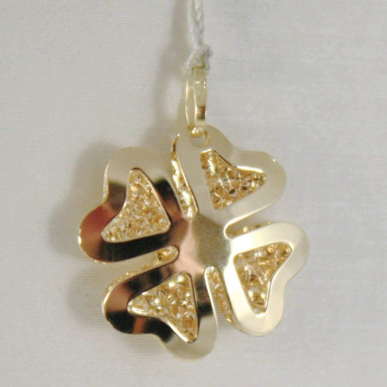18K YELLOW GOLD PENDANT CHARM LUCKY FOUR LEAF CLOVER FINELY WORKED MADE IN ITALY