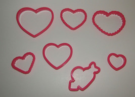 Hearts Cookie Cutters Set of 7 Love Valentines Day Arrow Wilton Plastic  - $9.08 CAD