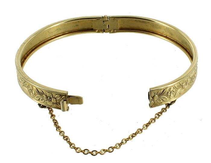 VINTAGE VICTORIAN REVIVAL FLORAL GOLD TONE ENGRAVED BANGLE BRACELET 1950'S 6.5""